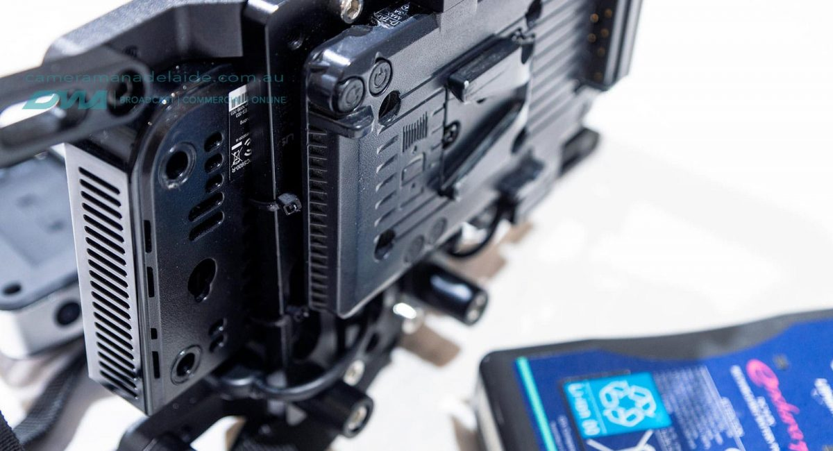 V-lock_battery_plate_smallhd_monitor